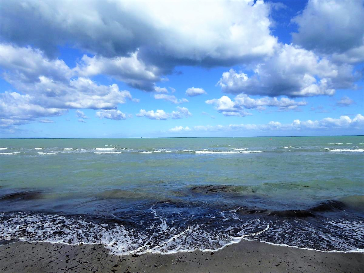 Photo of Stürmischer Tag am Meer bei Cecina – Die Toskana zeigt ihre rauhe Seite