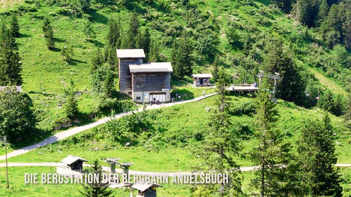 Bergstation der Sesselbahn