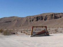 Eine Zufahrt in das Death Valley