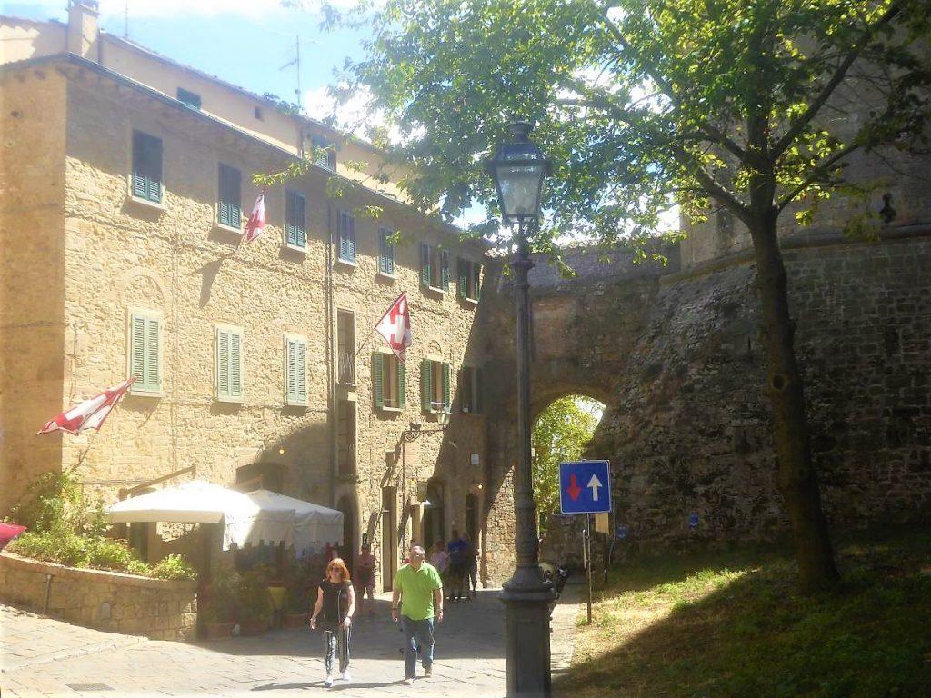 Eingang an der Fortezza Medicea