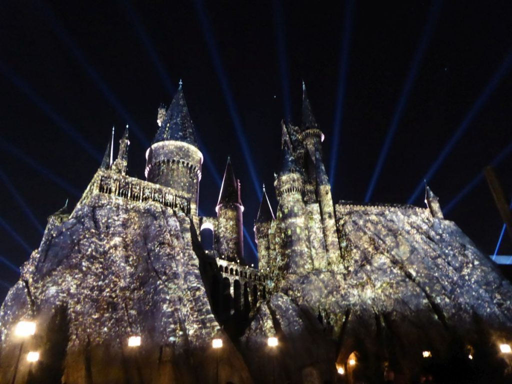 Der Harry Potter and the Forbidden Journey Ride ist im Schloss Hogwarts