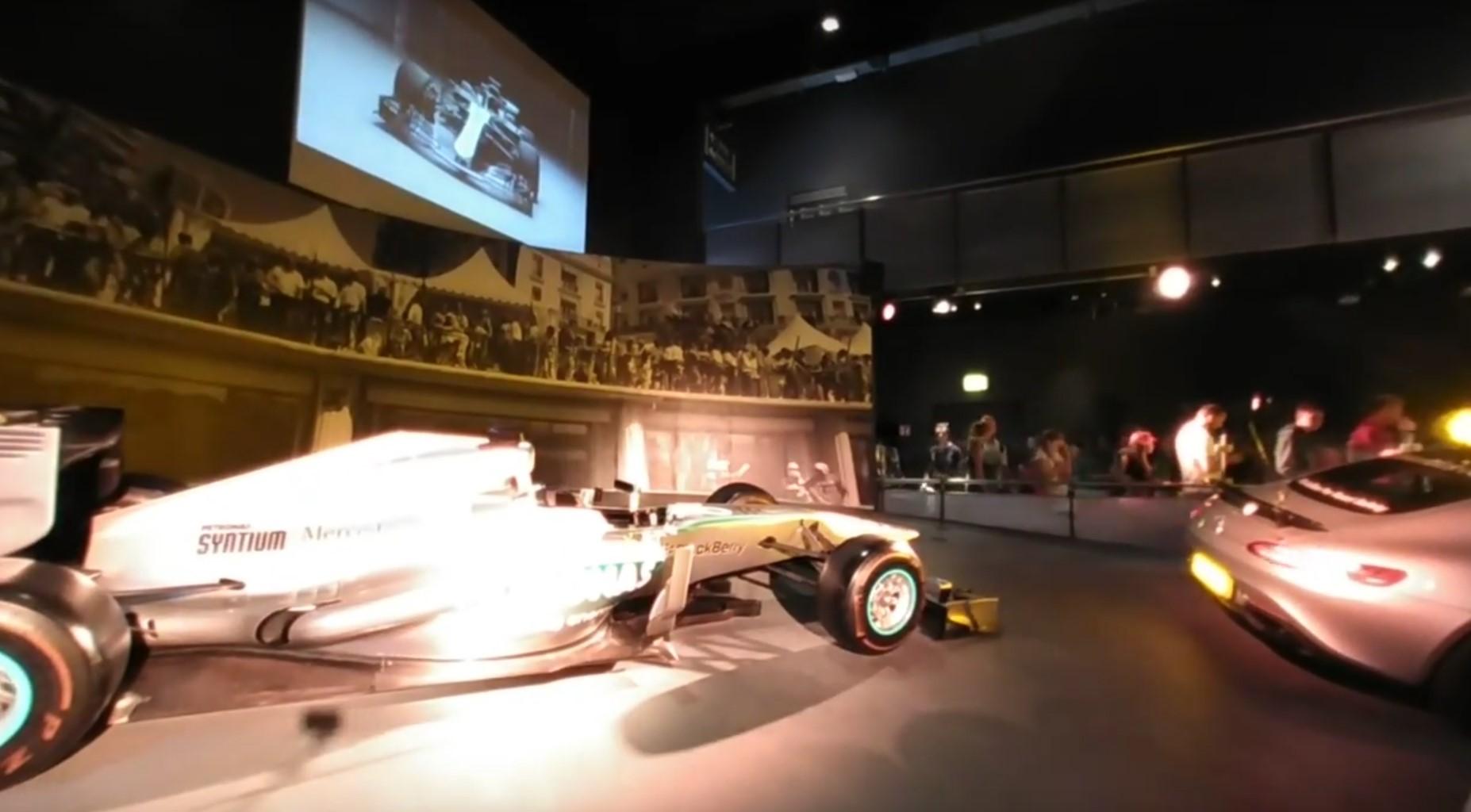Photo of Mercedes-Benz Hall im Europa-Park – F1 Rennwagen und AMG Mercedes in der Ausstellung