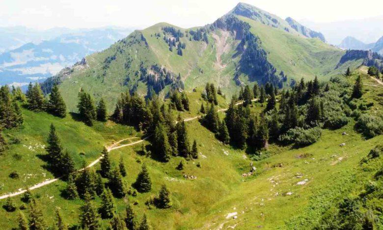 """Photo of Andelsbuch im Bregenzerwald in Voralberg – """"Der Niedere"""" Panorama-Wanderung und Gleitschirmfliegen"""