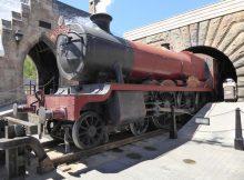 Der Hogwarts Express in Hogsmeade