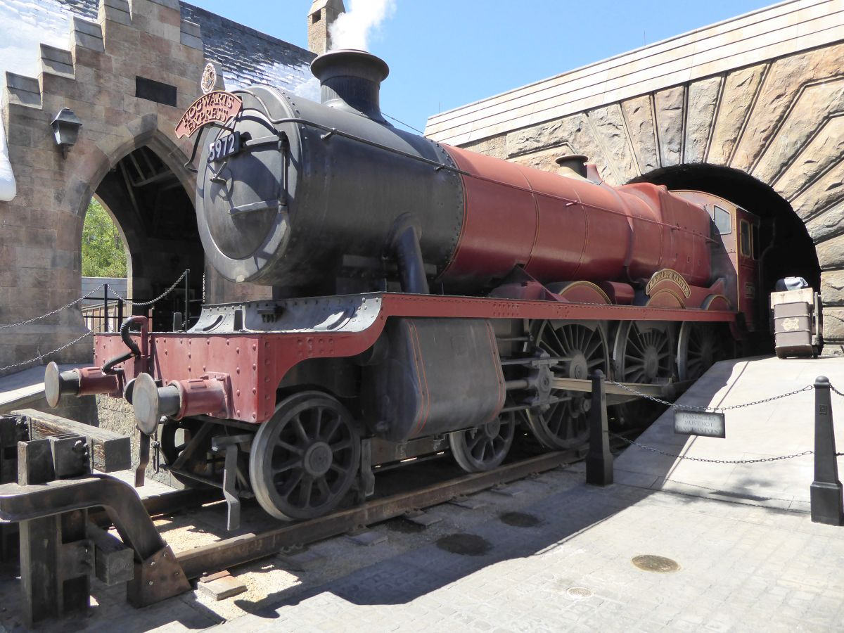 Photo of Hogwarts Express – Abfahrt mit Harry Potter von Hogsmeade in den Universal Studios Orlando