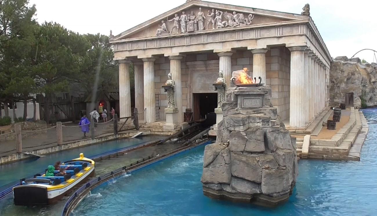 Imposanter griechischer Tempel der Poseidon