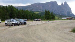 Parkplatz auf der Seiser Alm in Compatsch