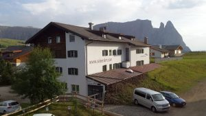 Hotel Seiser Alm in Compatsch direkt neben der Gondelbahn