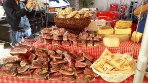 Wochenmarkt in Völs am Schlern