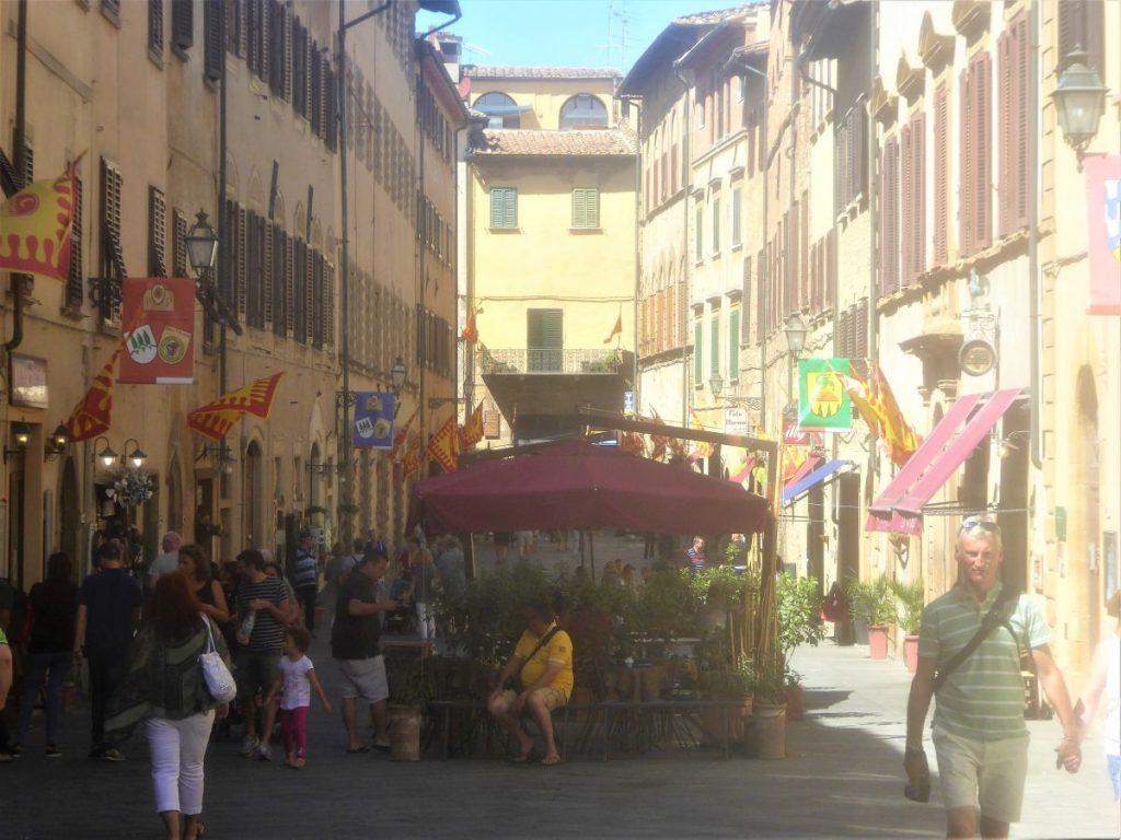 Cafe auf der Via Antonia Gramsci